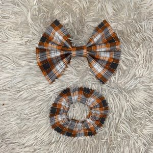 Orange Plaid bow & scrunchie set